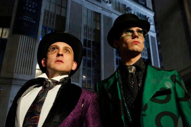 Gotham | Batman aparece em novo teaser do episódio final